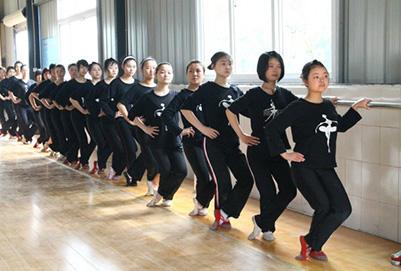 """重庆幼儿师范学校:""""双语专业""""的教学措施如何"""