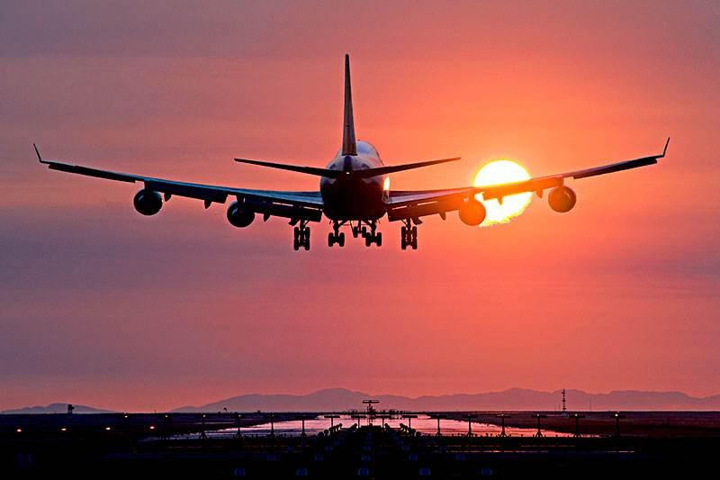 当机务好还是当空乘好?