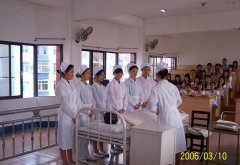 内蒙古赤峰卫校